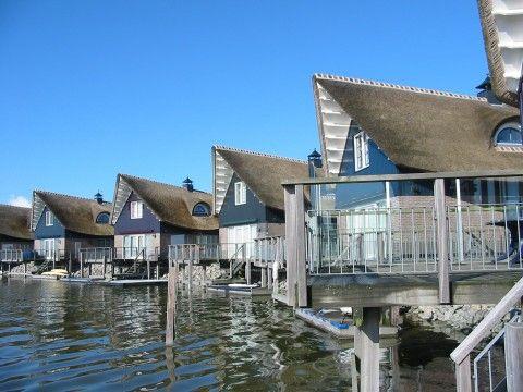 meren • Luxe villa met sauna en jacuzzi direct aan zee! • 1 van 10