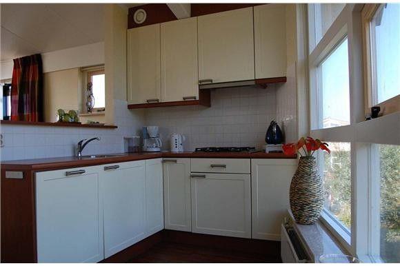 vakantiewoning 3 watervilla 39 s op it soal workum. Black Bedroom Furniture Sets. Home Design Ideas