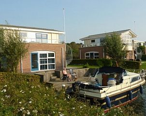 Guest house 060212 • Holiday property IJsselmeer • 3 Watervilla's op It Soal